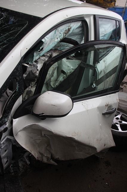 Нюансы страхования по КАСКО после ДТП: остаться без машины - законно?